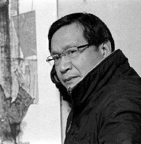 张渭人 1951年12月出生,浙江宁波人。毕业于上海美术学院现代水墨研究生课程班,现为高级美术师;中国美术家协会会员;上海美术家协会会员;恒源祥香山画院画师,兼学术和评审委员会副主任。中国金融美术家协会副主席。