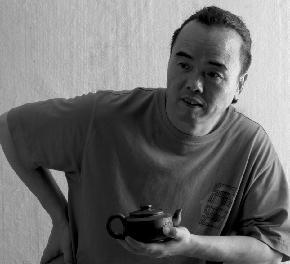 孔德润 1961年生于上海。现为中国美术家协会会员,上海美术家协会会员。