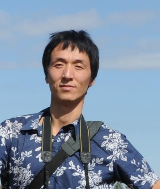 吕洪良 2006年毕业于上海大学美术学院油画系,获油画硕士学位。现任教于上海师范大学美术学院,讲师,华东师范大学设计学院聘任讲师