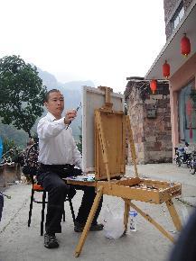 """金云华  1971年出生于上海,毕业于华东师范大学美术专业、清华大学美术学院油画研究生。现担任上海长三角画院副院长、上海美术家协会会员。 美术作品曾在《中国美术教育》、《新民晚报》、《上海艺术家》、《上海美术》等报刊杂志上发表,编著出版《美术类专业中高考通关系列——色彩静物》。2012年5月7日~17日在杨浦区国顺东路800号东方文明书画院举办金云华个人油画展。 金云华的美术作品多次参加上海市美展和全国美展,2009年12月水彩画《岁月》入选""""第十一届全国美术作品展览。"""