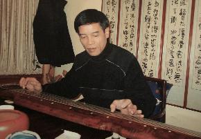 承文浩 承文浩,字道存,斋名:九思堂。毕业于上海师范大学中国书法学系,中国书法家协会会员,上海诗词学会会员。
