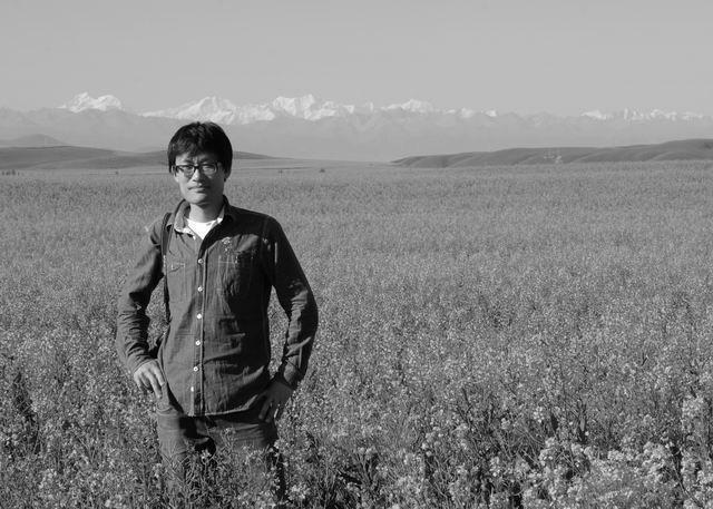 黄斌勇 1984年出生于上海 祖籍广东梅州 中国美术家协会会员 上海美术家协会会员