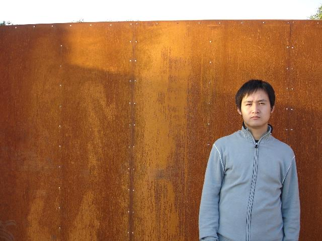 路  彦 姓名:路彦,原名:路艳敏,性别:男。 1980年出生于河北省邯郸