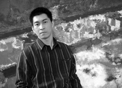 李鹏 1975年4月出生于江西于都。1998年毕业于江西师范大学美术系