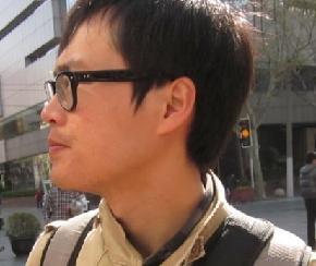 何国盛 1986年生于广西南宁 2010年毕业于西安美术学院油画系 2011年至今就读于安徽师范大学美术学院
