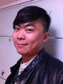 史特 2008年毕业于黑龙江鹤岗师范油画系,2009年进修于清华大学美术学院油画系。
