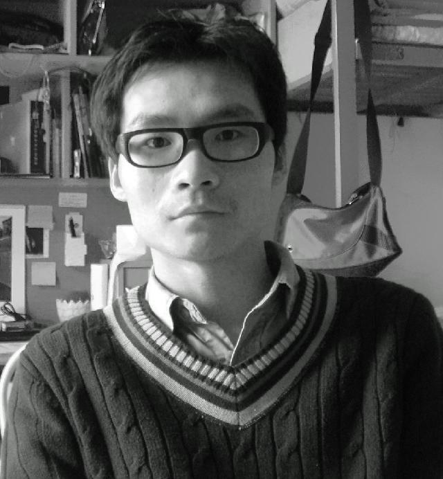 张向壮 1984年出生,上海市美术家协会会员。2007年毕业于上饶师范学院,同年支教于江西桐畈小学。2011年毕业于上海大学美术学院架上绘画专业,获硕士学位。