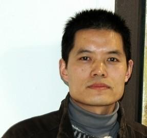 张民 中国美术家协会会员 上海美术家协会会员 上海杨浦区美术家协会副秘书长  上海师范大学美术学院艺术硕士在读