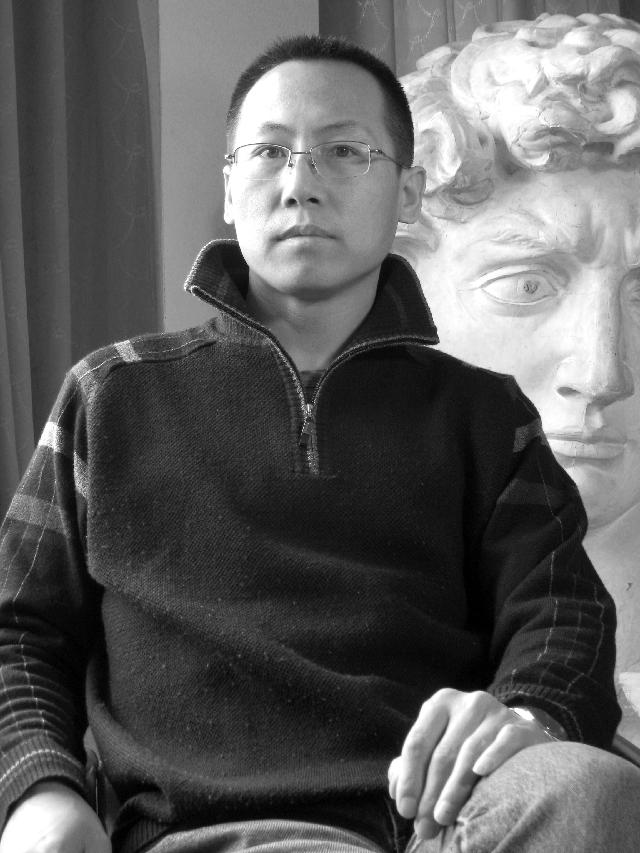 关向阳 民革党员,中国书法家协会会员、民革中央书画院理事、宁夏书法家协会副秘书长、银川市书法家协会副主席、宁夏美术家协会会员。
