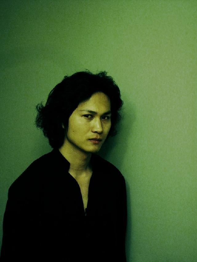 黄赛峰 男 1983年生于上海 2003年   毕业于上海师范大学美术学院 2012至今 上海戏剧学院油画专业硕士在读
