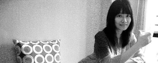 林婧 林婧,1984年生于湖北,2008年毕业于西南大学美术学院油画专业,获学士学位;同年考入西南大学美术学院油画技法与研究专业,师从付念屏教授,攻读硕士研究生,毕业至今于深圳工作。重庆市美术家协会会员。中国当代艺术研究院会员。