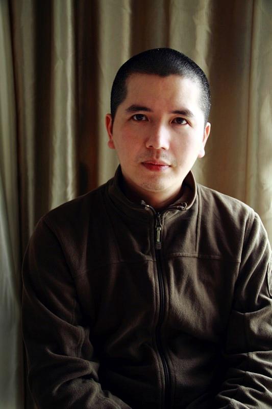 吴俊卉 毕业于广西艺术学院 广西美术家协会会员 漓江画派柳州促进会理事 职业画家