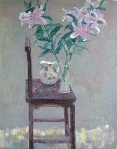 老椅子上的百合花